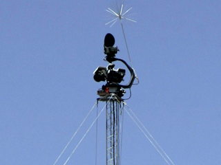 A 'virtual fence' tower laden with radar, sensors and sophisticated cameras in Arizona | Credit: DAVID SANDERS/AP