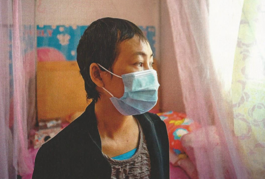 Xie Fengping was diagnosed with leukemia in 2013 after working for five years at Huasheng Electric Motor. | Credit: SIM CHI YIN/WIRED
